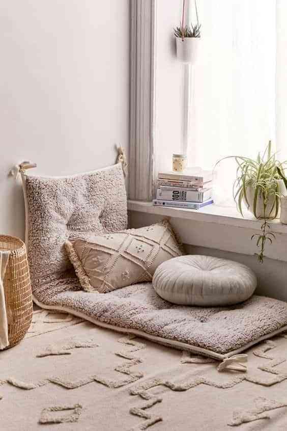 colchonetas para decorar rincon de lectura