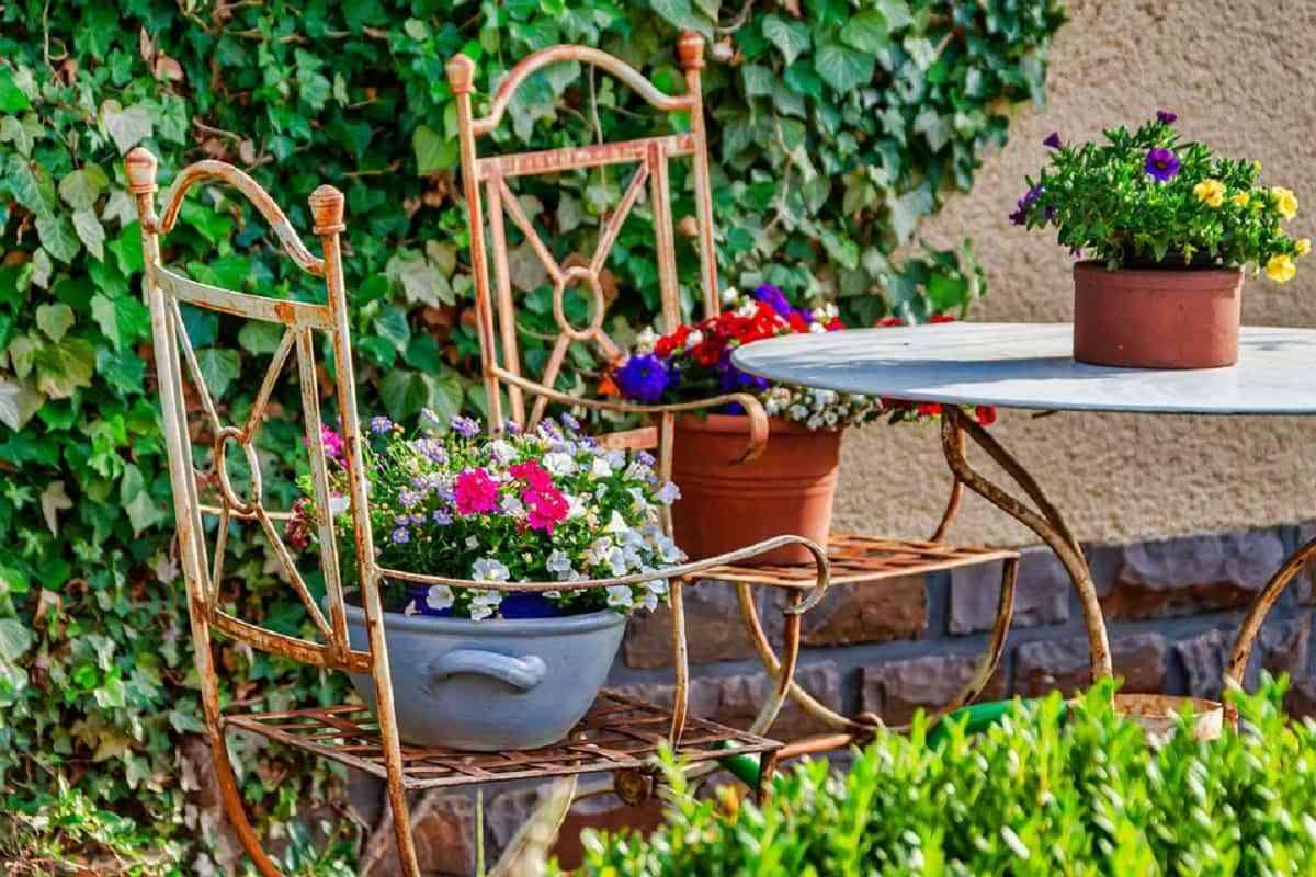 juego de mesas y sillas para tu jardín pequeño es indispensable