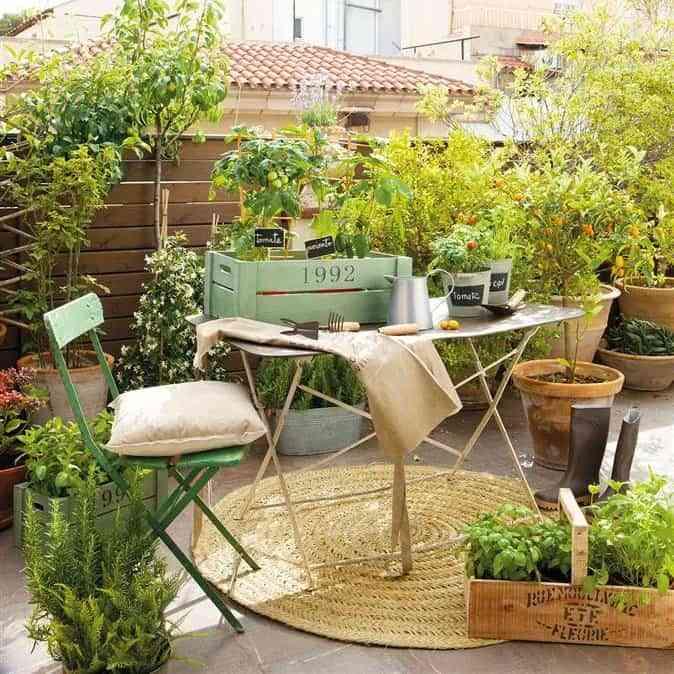 Ideas para decorar una terraza o balcón con plantas y flores 3