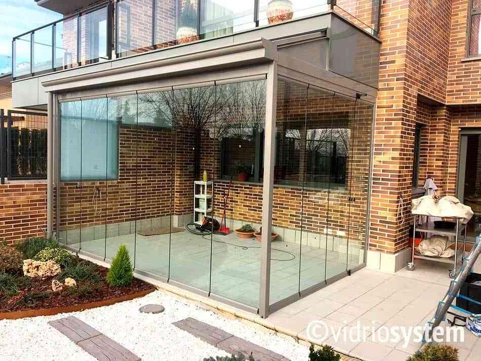 Cerramientos con cortinas de cristal: transforma tu terraza 1