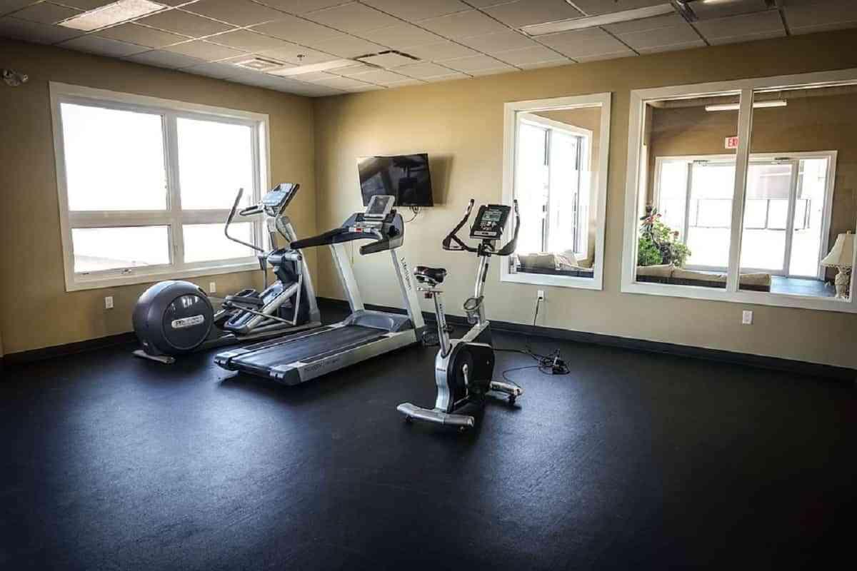 Con un espacio reducido igualmente puedes hacer tu entrenamiento.