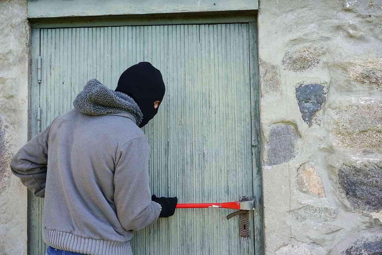 5 consejos para proteger tu hogar de ladrones y okupas 2