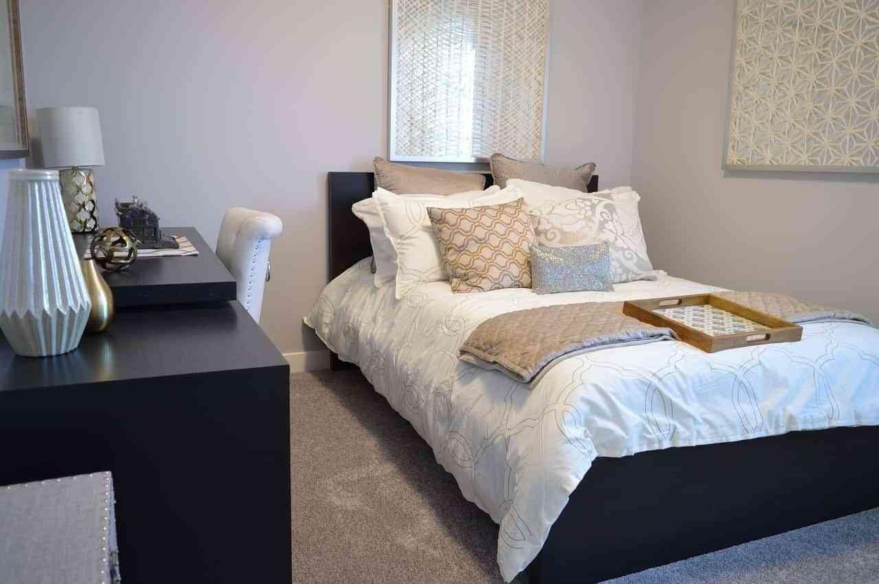 Elegir los materiales adecuados para la ropa de cama de verano es algo primordial para estar frescos..