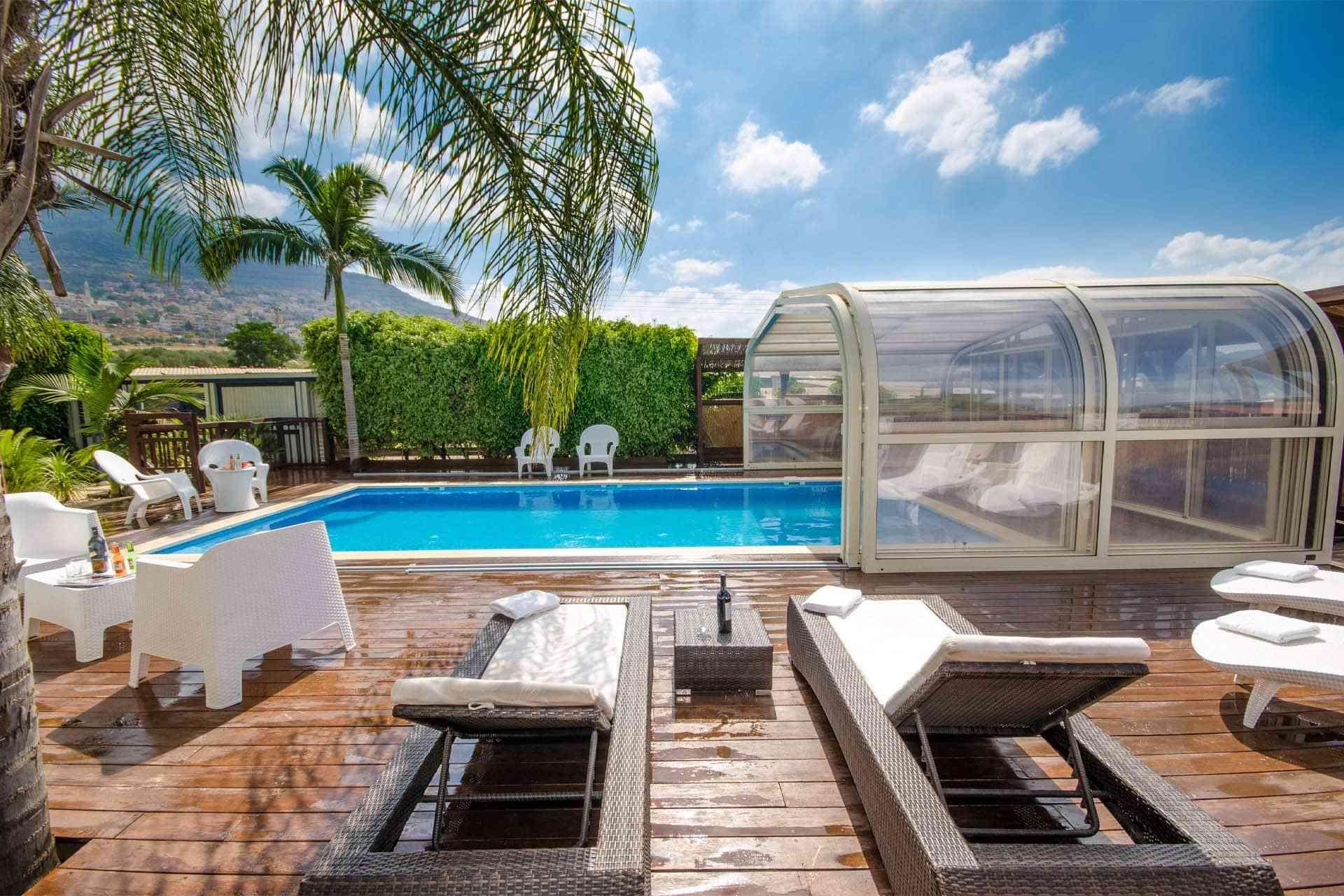 Cubiertas de piscinas, soluciones para tu jardín 1