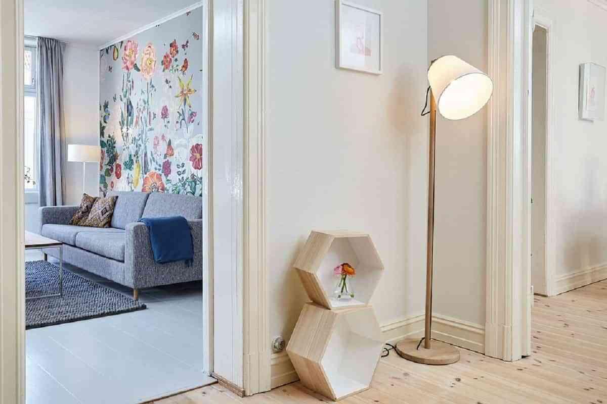 La madera natural sigue siendo tendencia para los pisos, todo lo natural lo estamos utilizando para la decoración del hogar en estos últimos años.