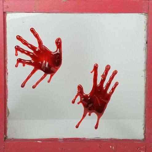 manos sangrientas