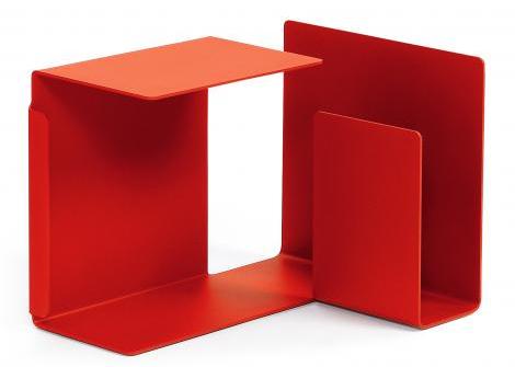 el alemn konstantin grcic es uno de ellos y ha diseado para la marca esta lnea de muebles auxiliares de estilo contemporneo llamados diana